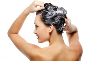 iStock 000011512940XSmall 300x199 Odpowiednie mycie dla Twojego rodzaju włosów
